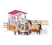 Schleich Maatilan eläimiä Horse stall with Arab horses and groom