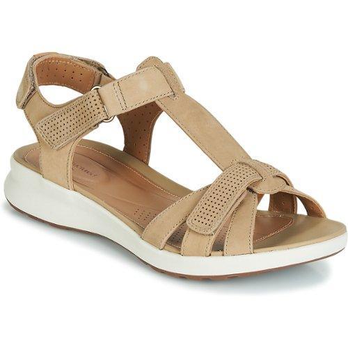 clarks sandaalit